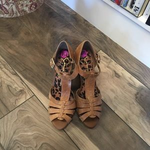 Jessica Simpson Size 8.5 sandal wedge shoes
